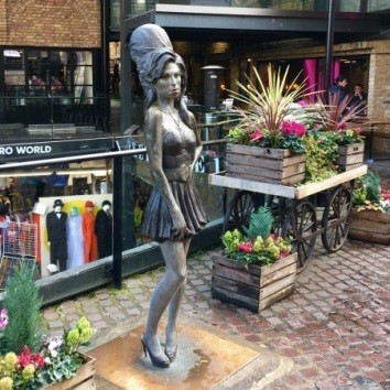 Amy Winehouse's statue